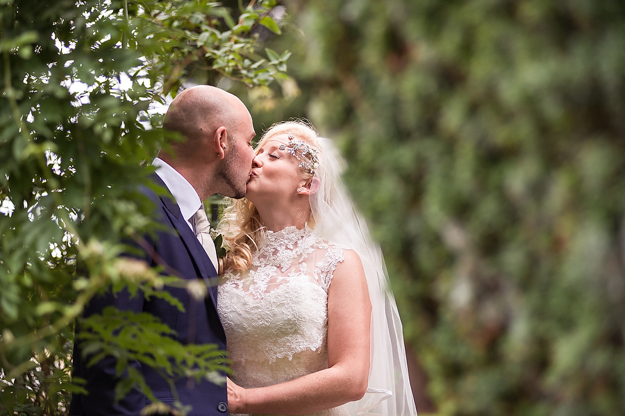 Intimate contemporary portraits in the beautiful gardens at Packington Moor in Lichfield by Lichfield Contemporary Wedding Photographer Barry James