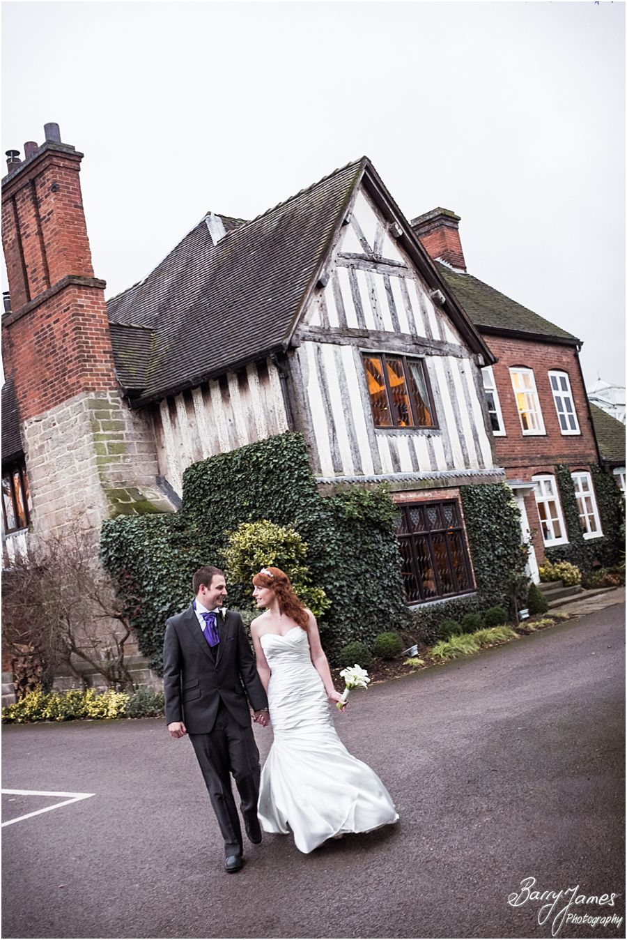 Creative candid photographs of a Moat House wedding in Acton Trussell by Venue Preferred Wedding Photographer Barry James