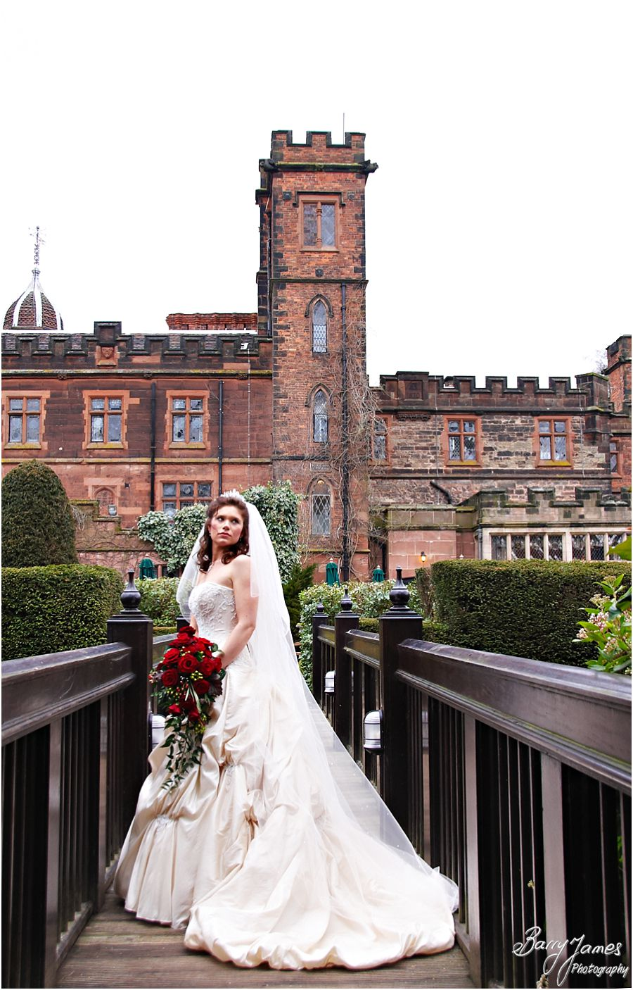Creative portraits around the stunning gardens of New Hall in Walmley by Contemporary Wedding Photographer Barry James