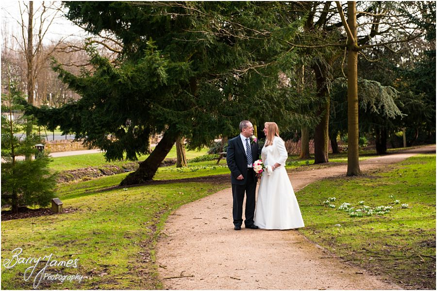 Gorgeous Contemporary Wedding Photographs At Walsall Arboretum In By Professional Photographer Barry James