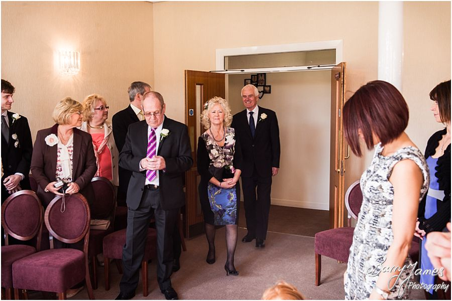 Stunning Contemporary Wedding Photographs At Lichfield Registry Office In By Stafford Photographer Barry James