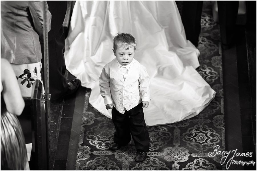 Contemporary portraits and relaxed candid moments at Himley Church in Dudley by Staffordshire Wedding Photographer Barry James