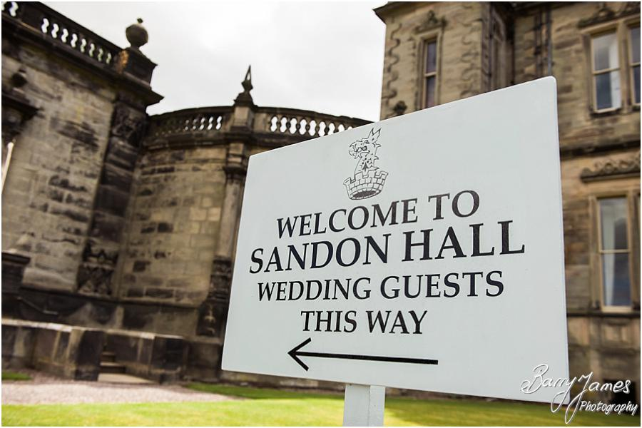 Wedding photographs at Sandon Hall in Stafford by Stafford Wedding Photographer Barry James
