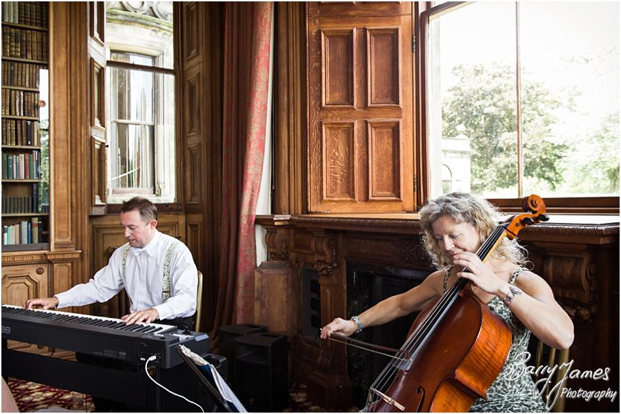 Live music from Finesse Piano and Cello at Sandon Hall in Stafford by Stafford Wedding Photographer Barry James