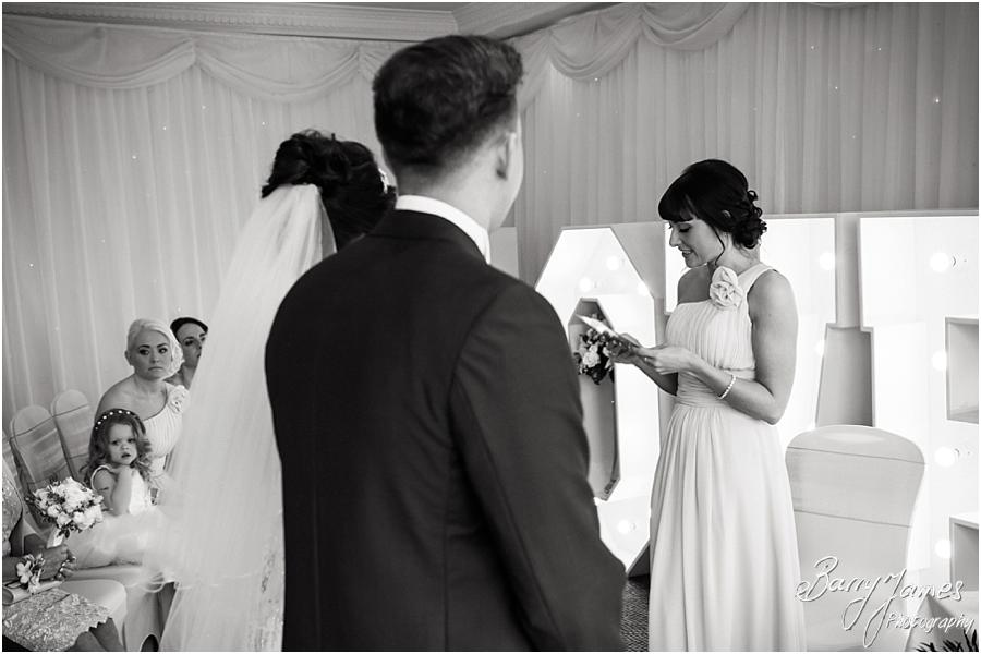 Capturing the story of the wedding ceremony with natural wedding photography